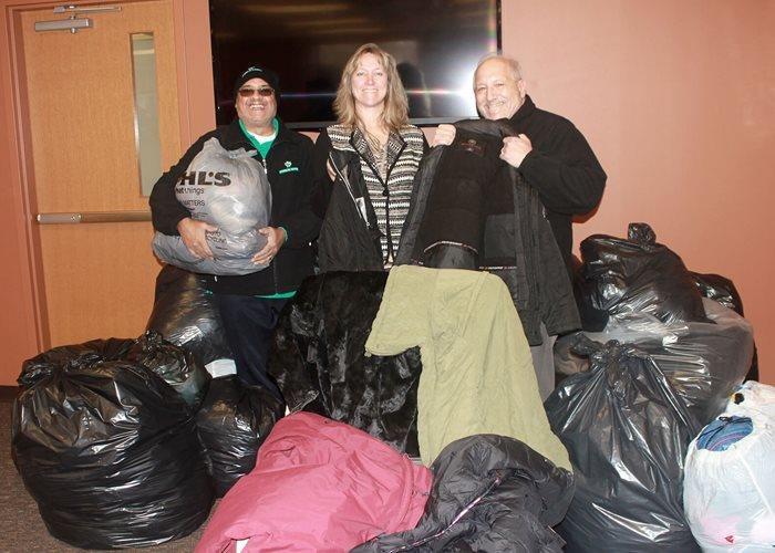 Campaña de donación de abrigos